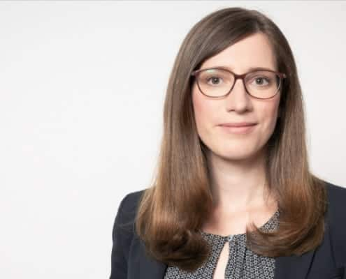 Rechtsanwältin Seidel aus Berlin zu Urlaubsregelungen in Therapiepraxen im memole Magazin Beitrag